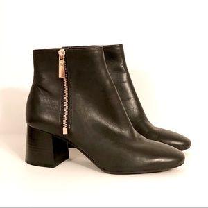 MICHAEL Michael Kors Alane Ankle Boot Size 6